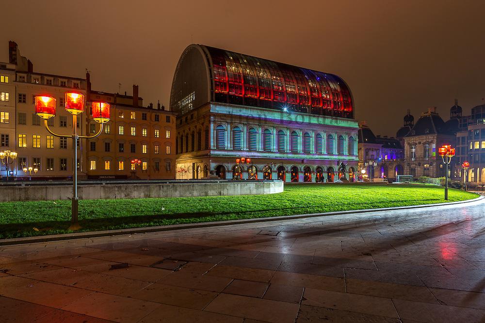 Opéra de Lyon de nuit // Night view of Opéra