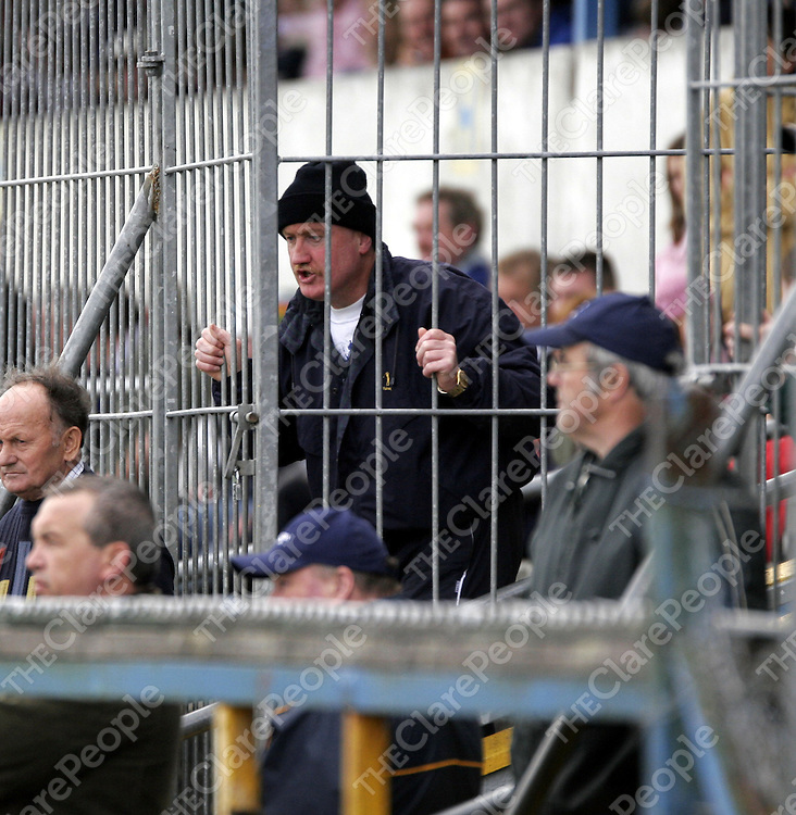 After a bust up on the sideline between subs and mentors on both the Scariff and Kilmaley side instructions had to be given from the stand in Cusack Park on Sunday.<br />