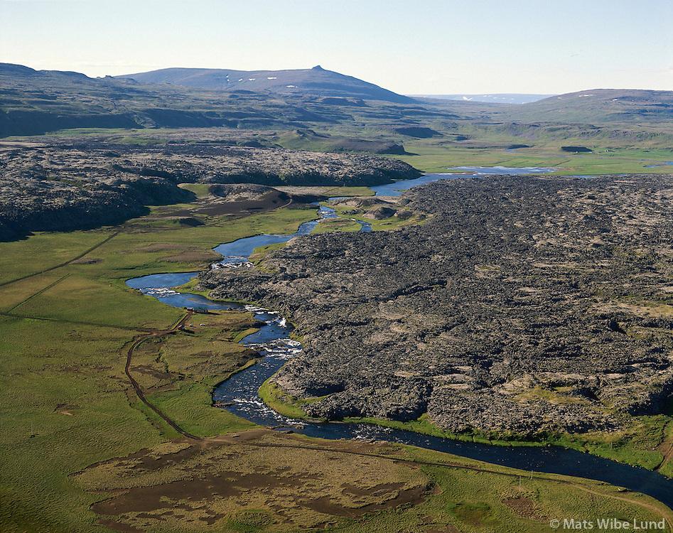 Haffjarðará á mörkum: Kolbeinstaðahreppur / Eyjahreppur..Hraun. Loftmynd..Haffjardara salmon river on the border between Kolbeinsstadahreppur and Eyjahreppur.