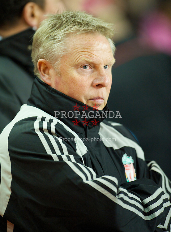 LIVERPOOL, ENGLAND - Tuesday, March 3, 2009: Liverpool's assistant manager Sammy Lee during the Premiership match against Sunderland at Anfield. (Photo by David Rawcliffe/Propaganda)
