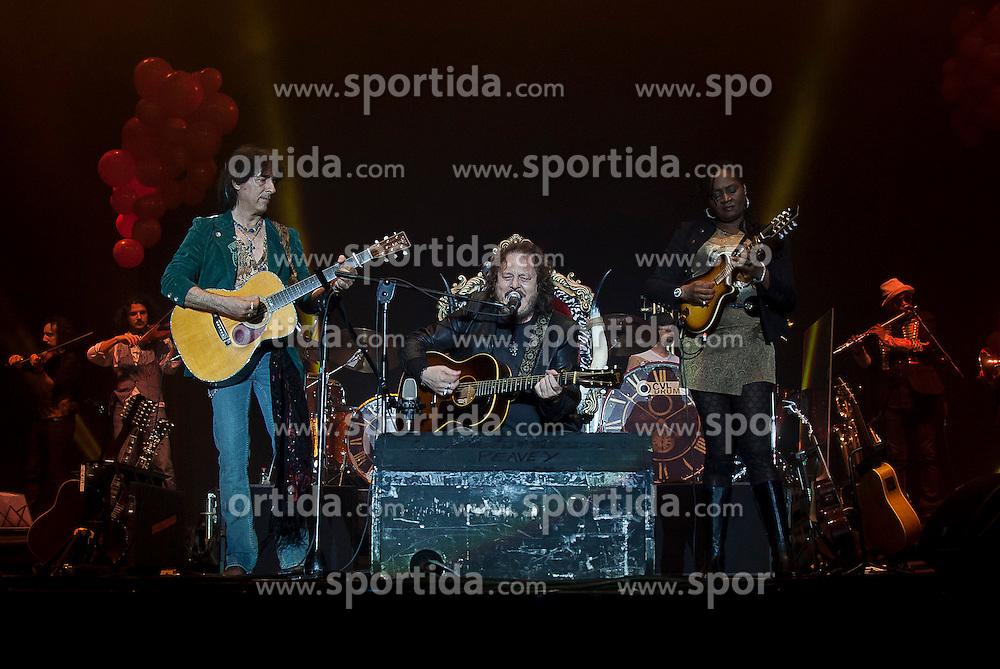 17.06.2011, Schwarzl See Unterpremstätten bei Graz, AUT, Seerock Festival, im Bild der italienische Singer-Songwriter Zucchero, EXPA Pictures © 2011, PhotoCredit: EXPA/ Erwin Scheriau