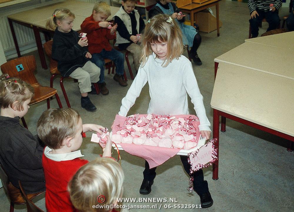 Linda Janssen gaat uitdelen op school
