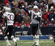 Tom Brady with a quick pass to Kevin Faulk, New England Patriots @ Buffalo Bills, 11 Dec 05, 1pm, Ralph Wilson Stadium, Orchard Park, NY