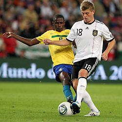 GER, Commerzbank Arena, GER, Stuttgart, FSP, LS, Deutschland (GER) vs Brasilien (BRA), im Bild .. Toni Kroos (GER/FC Bayern München) gegen Ramires Nascimento (BRA/FC Chelsea) // durch the friendly ship between Germany (GER) vs Brasil (BRA) in Commerzbank Arena, Stuttgart, on 2011/08/11 EXPA Pictures © 2011, PhotoCredit: EXPA/ nph/  Hessland       ****** out of GER / CRO  / BEL ******