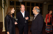 Susan and William Boyd and Alan Yentob, 'Feast Food that celebrates Life' by Nigella Lawson- book launch. Cadogan Hall, Sloane Terace. 11 October 2004. ONE TIME USE ONLY - DO NOT ARCHIVE  © Copyright Photograph by Dafydd Jones 66 Stockwell Park Rd. London SW9 0DA Tel 020 7733 0108 www.dafjones.com