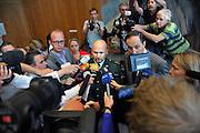 Nederland, Arnhem, 22-4-2011De militaire kamer van de rechtbank Arnhem spreekt Marco Kroon vrij van het hebben van cocaine. Kroon wordt wel veroordeeld tot een boete van 750 euro en een voorwaardelijke werkstraf van 80 uur voor het in bezit hebben van en het overdragen van stroomstootwapens.Foto: Flip Franssen/Hollandse Hoogte