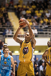 November 12, 2017 - Turin, Piemonte/Torino, Italy - Deron Washington (Fiat Torino Auxilium) during the Basketball match, Serie A: Fiat Torino Auxilium vs Vanoli Cremona. Torino wins 88-80 at Pala Ruffini in Turin 12th november 2017 Photo by Alberto Gandolfo/Pacific Press) (Credit Image: © Alberto Gandolfo/Pacific Press via ZUMA Wire)