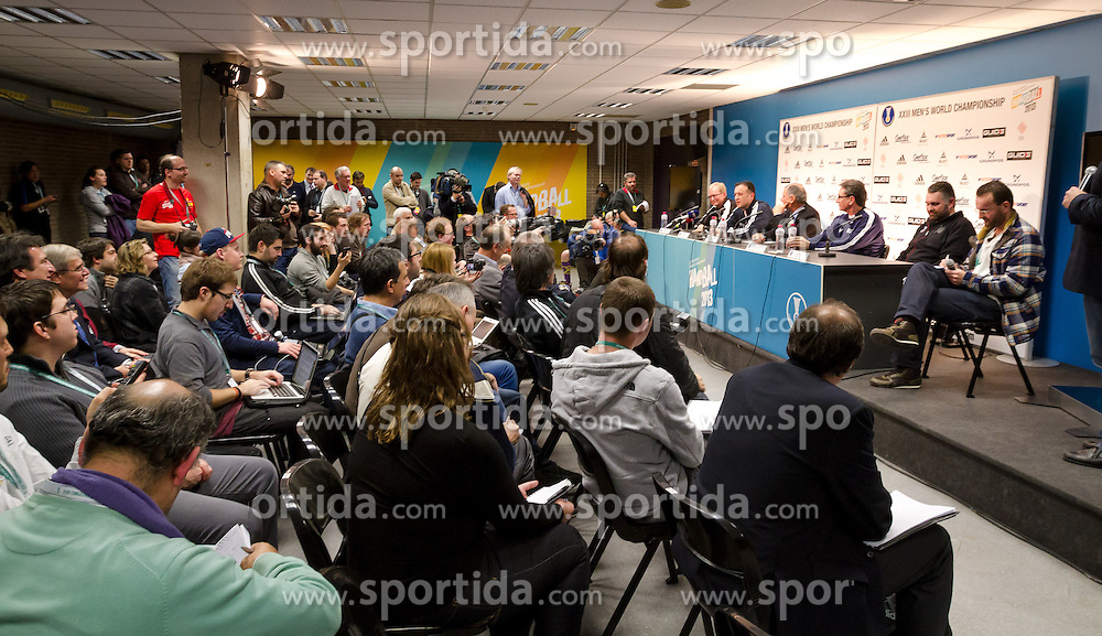 24.01.2013, Palau Sant Jordi, Barcelona, ESP, IHF, Handball Weltmeisterschaft der Herren, Halbfinale, Pressekonferenz, im Bild der Presseraum//The pressroom during a press conference in front of the semifinal matches of the IHF Handball World Championship at the Palau Sant Jordi, Barcelona, Spain on 2013/01/24. EXPA Pictures © 2013, PhotoCredit: EXPA/ Sebastian Pucher