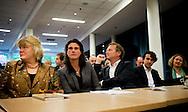 UTRECHT - Heleen Weening (L) en Kamerlid Bram van Ojik op de partijraad van GroenLinks waar na het vertrek van Jolande Sap, gesproken wordt over de interne crisis in de partij. Weening kondigde aan haar functie van partijvoorzitter neer te leggen.