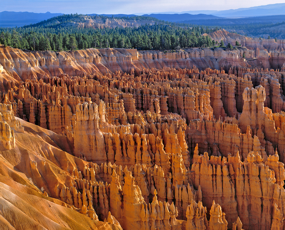 Inspiration Point offers an early morning view of the hoodoos in the Amphitheater section of Bryce Canyon NP, Utah.
