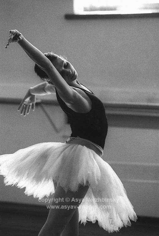 Roberta Marquez as Odette. Rehearsal, Royal Ballet