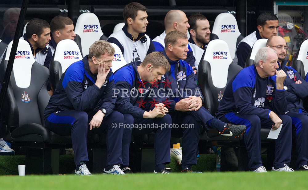 NEWCASTLE-UPON-TYNE, ENGLAND - Saturday, November 5, 2011: Everton's manager David Moyes looks dejected during the Premiership match against Newcastle United at St. James' Park. (Pic by Vegard Grott/Propaganda)