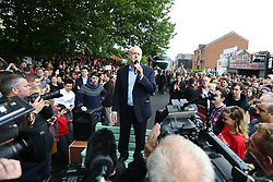 © Licensed to London News Pictures. 15/05/2017. Leeds UK. Jeremy Corbyn speaking at the Brundenell Social Club in Leeds this afternoon on the General Election trail. Photo credit: Andrew McCaren/LNP