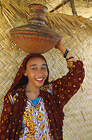 Pakistan. Shiddis, les esclaves de l'empire des Indes. Jeune fille Shiddi, les noirs du Pakistan. // Pakistan. Young Shiddi girl, the black of Pakistan with African origine.