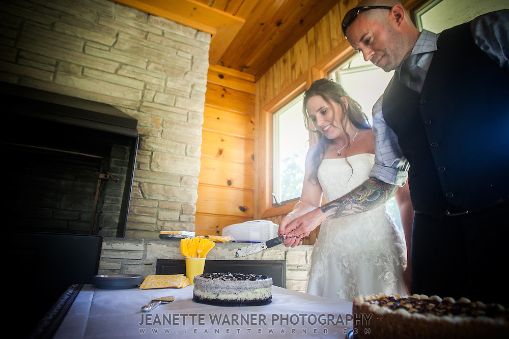 Becky and Jason were married in Owosso at DeVries Nature Conservancy in a beautiful outdoor summer wedding.