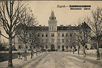 Zagreb : Aleksandrova vojarna. <br /> <br /> ImpresumS. l. : S. n., [1923].<br /> Materijalni opis1 razglednica : tisak ; 8,8 x 13,8 cm.<br /> Vrstavizualna građa • razglednice<br /> ZbirkaGrafička zbirka NSK • Zbirka razglednica<br /> Formatimage/jpeg<br /> PredmetZagreb –– Republike Austrije<br /> SignaturaRZG-RAUS-1<br /> Obuhvat(vremenski)20. stoljeće<br /> NapomenaRazglednica je putovala 1923. godine.<br /> PravaJavno dobro<br /> Identifikatori000952551<br /> NBN.HRNBN: urn:nbn:hr:238:041015 <br /> <br /> Izvor: Digitalne zbirke Nacionalne i sveučilišne knjižnice u Zagrebu