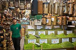 Banca do mercado público para venda de erva de chimarrão a granel e produtos coloniais, em Porto Alegre. FOTO: Jefferson Bernardes/Preview.com