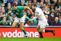 Jared Payne of Ireland and Elliot Daly of England - Mandatory by-line: Ken Sutton/JMP - 18/03/2017 - RUGBY - Aviva Stadium - Dublin,  - Ireland v England - RBS 6 Nations