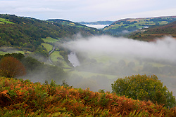 © Licensed to London News Pictures. 03/10/2019. Builth Wells, Powys, Wales, UK. Mist hangs in the valleys at dawn near Builth Wells in Powys, UK.after a very cold night with temperatures dropping to around 2 deg C in places. Photo credit: Graham M. Lawrence/LNP