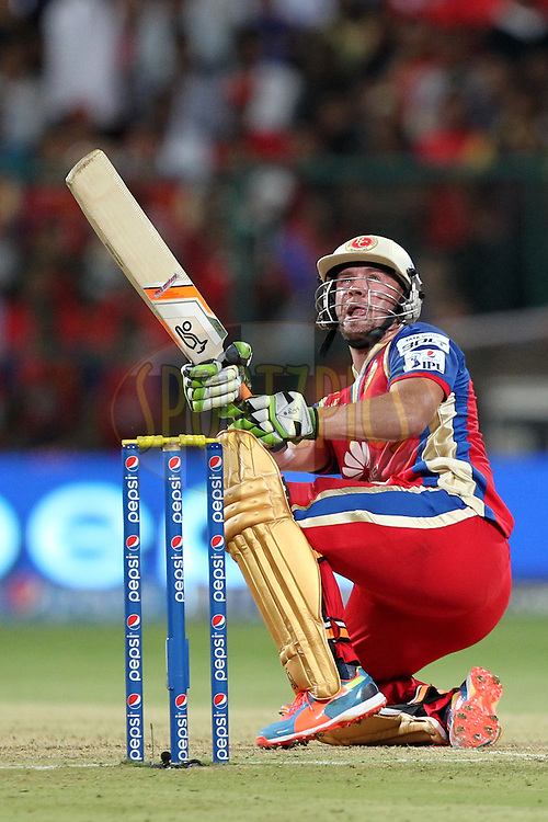 AB de Villiers of the Royal Challengers Bangalore during match 24 of the Pepsi Indian Premier League Season 2014 between the Royal Challengers Bangalore and the Sunrisers Hyderabad held at the M. Chinnaswamy Stadium, Bangalore, India on the 4th May  2014Photo by Prashant Bhoot / IPL / SPORTZPICSImage use subject to terms and conditions which can be found here:  http://sportzpics.photoshelter.com/gallery/Pepsi-IPL-Image-terms-and-conditions/G00004VW1IVJ.gB0/C0000TScjhBM6ikg