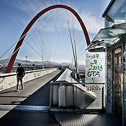 Ad otto anni dai fasti delle Olimpiadi invernali di Torinno 2006. La passerrrella dell'Arco Olimpico che collega il Lingotto con l'ex villaggio olimpico.