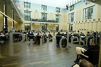 23 SEP 2005, BERLIN/GERMANY:<br /> Uebersicht Plenarsaal waehrend einer Sitzung des Bundesrates, Plenum, Bundesrat<br /> IMAGE: 20050923-01-012<br /> KEYWORDS: Übersicht, Saal