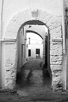 Centro storico di Taviano, arco di accesso ad antico cortile