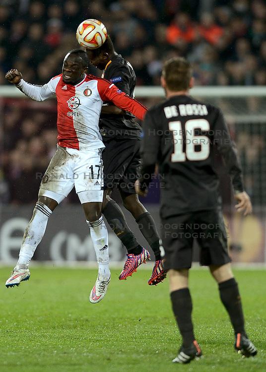 26-02-2015 NED: Europa League Feyenoord - AS Roma, Rotterdam<br /> Feyenoord is er niet in geslaagd de achtste finales van de Europa League te bereiken. De club verloor voor eigen publiek van AS Roma: 1-2 / Elvis Manu #17, Mapou Yanga-Mbiwa #2