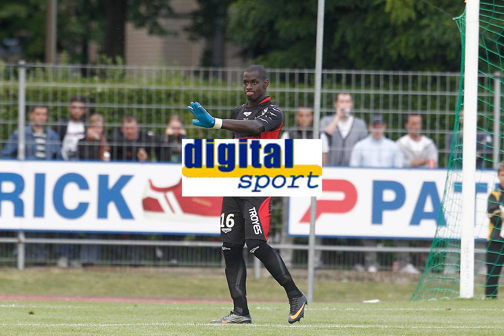 FOOTBALL - FRIENDLY GAMES 2012/2013 - LILLE OSC v ES TROYES - 21/07/2011 - PHOTO CHRISTOPHE ELISE / DPPI - YOHANN THURAM (TROYES)