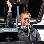 NLD/Amsterdam/20110223 - Flashmob van Armin van Buuren ter promotie van radioshow Radio 538 centrum Amsterdam