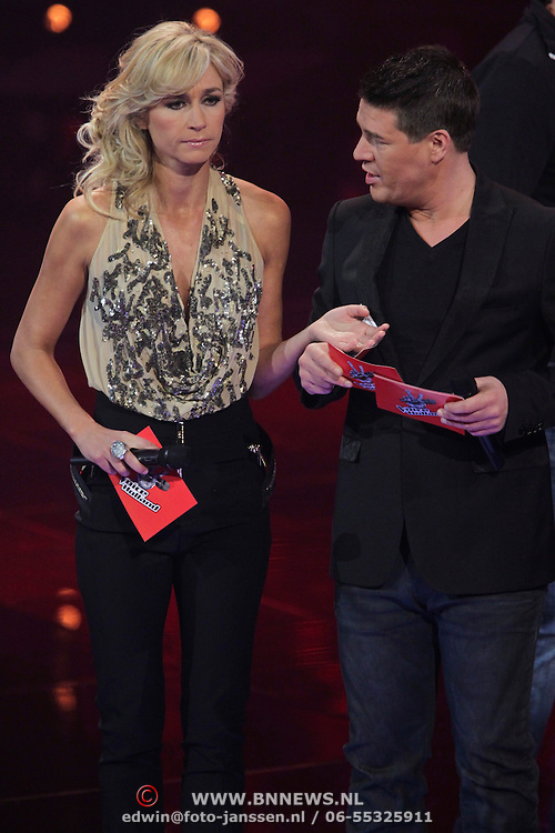 NLD/Hilversum/20120120 - Finale the Voice of Holland 2012, Wendy van Dijk en Martijn Krabbe