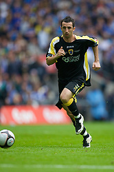 LONDON, ENGLAND - Saturday, May 17, 2008: Cardiff City's Tony Capaldi in action against Portsmouth during the FA Cup Final at Wembley Stadium. (Photo by David Rawcliffe/Propaganda)