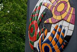 12-05-2017 NED: Onthulling Bankrasmonument bij de Nieuwe Bankrashal, Amstelveen<br /> Voor de interland Nederland - Tsjechi&euml; werd bij de Nieuwe Bankrashal het Bankrasmonument onthuld, in bijzijn van veel oud-internationals en oud-bondscoaches. De mannen van Oranje speelden tegen Tsjechje in speciale retroshirts, waarmee werd gerefereerd naar de bijzondere periode van het Bankrasmodel.