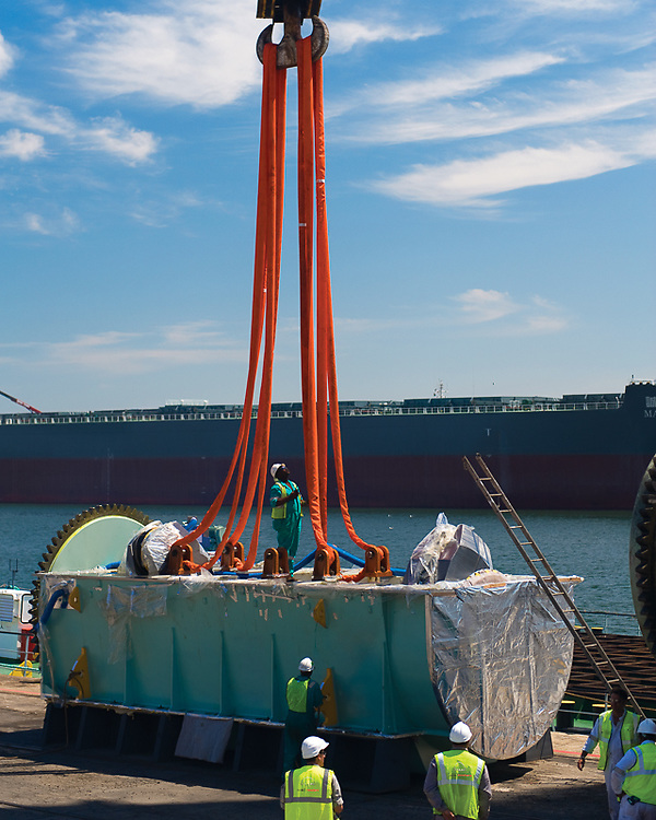Bedplate being prepared for lifting onto floating crane and then to be loaded onto the Magsenger II.