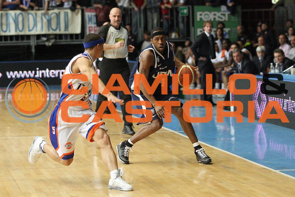 DESCRIZIONE : Cantu Lega A1 2007-08 Tisettanta Cantu Upim Fortitudo Bologna<br /> GIOCATORE : Horace Jenkins<br /> SQUADRA : Upim Fortitudo Bologna<br /> EVENTO : Campionato Lega A1 2007-2008<br /> GARA : Tisettanta Cantu Upim Fortitudo Bologna<br /> DATA : 06/04/2008<br /> CATEGORIA : Palleggio<br /> SPORT : Pallacanestro<br /> AUTORE : Agenzia Ciamillo-Castoria/S.Ceretti