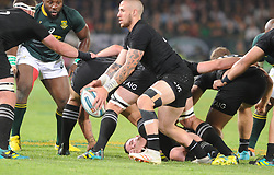 Pretoria, Loftus Versveld Stadium. Rugby Championship. South African Springboks vs New Zealand All Blacks.  06-10-18 All Black player Aaron Smith about to throw a pass to his backs.<br /> Picture: Karen Sandison/African News Agency(ANA)
