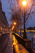 France. Paris. 4th district. The quai  d orleans along the seine river , on saint louis island, / Quai d orleans sur l ile saint Louis,
