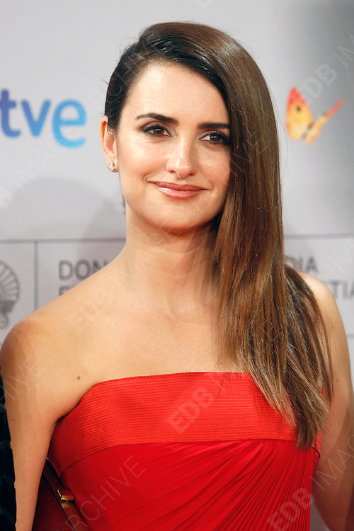 25.SEPTEMBER.2012. MADRID<br /> <br /> PENELOPE CRUZ ATTENDING THE PREMIERE OF &quot;VENUTO AL MONDO&quot; AT EL KURSAAL, MADRID, SPAIN, 25.09.2012.<br /> <br /> BYLINE: EDBIMAGEARCHIVE.CO.UK<br /> <br /> *THIS IMAGE IS STRICTLY FOR UK NEWSPAPERS AND MAGAZINES ONLY*<br /> *FOR WORLD WIDE SALES AND WEB USE PLEASE CONTACT EDBIMAGEARCHIVE - 0208 954 5968*