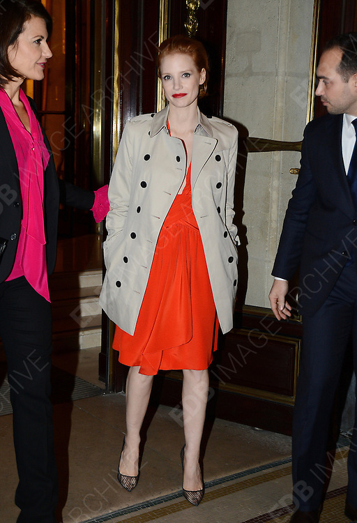 04.MARCH.2013. PARIS<br /> <br /> AMERICAN ACTRESS JESSICA CHASTAIN SEEN LEAVING HER PARIS HOTEL.<br /> <br /> BYLINE: EDBIMAGEARCHIVE.CO.UK<br /> <br /> *THIS IMAGE IS STRICTLY FOR UK NEWSPAPERS AND MAGAZINES ONLY*<br /> *FOR WORLD WIDE SALES AND WEB USE PLEASE CONTACT EDBIMAGEARCHIVE - 0208 954 5968*