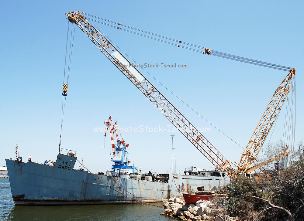 Israel, Haifa, Port of Haifa, the largest port in Israel. Derrick Crane unloads a cargo ship