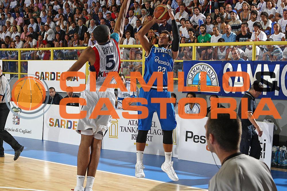 DESCRIZIONE : Cagliari Eurobasket Men 2009 Additional Qualifying Round Italia Francia GIOCATORE : Marco Belinelli SQUADRA : Italia Italy Nazionale Italiana Maschile DATA : 2009-08-26CATEGORIA : SPORT : Pallacanestro AUTORE : AGENZIA CIAMILLO & CASTORIA/G.Ciamillo