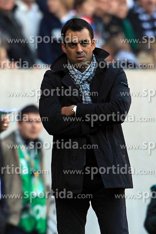 15.10.2011,  BorussiaPark, Mönchengladbach, GER, 1.FBL, Borussia Mönchengladbach vs Bayer 04 Leverkusen, im Bild.Robin Dutt (Trainer Leverkusen)..// during the 1.FBL, Borussia Mönchengladbach vs Bayer 04 Leverkusen on 2011/10/13, BorussiaPark, Mönchengladbach, Germany. EXPA Pictures © 2011, PhotoCredit: EXPA/ nph/  Mueller *** Local Caption ***       ****** out of GER / CRO  / BEL ******