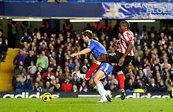 14.11.2010, Stamford Bridge, London, ENG, PL, FC Chelsea vs FC Sunderland, im Bild Nedum Onuoha of Sunderland shoots and scores..Chelsea v Sunderland.English Premiership,.Stamford Bridge, London. UK. .14/11/10,. EXPA Pictures © 2010, PhotoCredit: EXPA/ IPS/ Sean Ryan +++++ ATTENTION - OUT OF ENGLAND/UK +++++