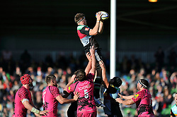 Charlie Matthew of Harlequins wins lineout ball - Photo mandatory by-line: Patrick Khachfe/JMP - Mobile: 07966 386802 04/10/2014 - SPORT - RUGBY UNION - London - The Twickenham Stoop - Harlequins v London Welsh - Aviva Premiership