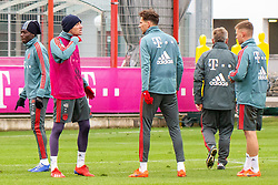 14.03.2019, Säbener Strasse, Muenchen, GER, 1. FBL, FC Bayern Muenchen vs 1. FSV Mainz 05, Training, im Bild v.l. Alphonso Davies (FC Bayern), Thomas Müller (FC Bayern), Leon Goretzka (FC Bayern), CO Trainer Perter Hermann (FC Bayern), Joshua Kimmich (FC Bayern) // during a trainings session before the German Bundesliga 26th round match between FC Bayern Muenchen and 1. FSV Mainz 05 at the Säbener Strasse in Muenchen, Germany on 2019/03/14. EXPA Pictures © 2019, PhotoCredit: EXPA/ Lukas Huter