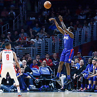 09 December 2017: LA Clippers guard Jawun Evans (1) takes a jump shot over Washington Wizards guard Tim Frazier (8) during the LA Clippers 113-112 victory over the Washington Wizards, at the Staples Center, Los Angeles, California, USA.