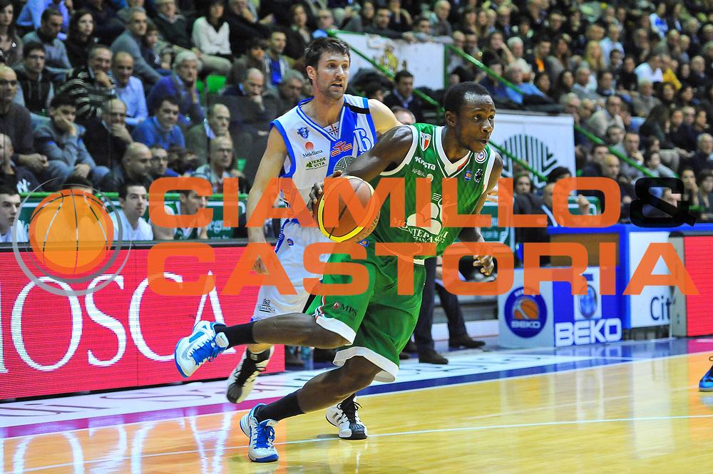 DESCRIZIONE : Campionato 2013/14 Dinamo Banco di Sardegna Sassari - Montepaschi Siena<br /> GIOCATORE : David Cournooh<br /> CATEGORIA : Palleggio Penetrazione<br /> SQUADRA : Montepaschi Siena<br /> EVENTO : LegaBasket Serie A Beko 2013/2014<br /> GARA : Dinamo Banco di Sardegna Sassari - Montepaschi Siena<br /> DATA : 22/12/2013<br /> SPORT : Pallacanestro <br /> AUTORE : Agenzia Ciamillo-Castoria / Luigi Canu<br /> Galleria : LegaBasket Serie A Beko 2013/2014<br /> Fotonotizia : Campionato 2013/14 Dinamo Banco di Sardegna Sassari - Montepaschi Siena<br /> Predefinita :