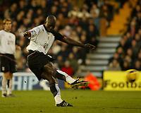 Fotball<br /> Premier Legaue England 2004<br /> 13.11.2004<br /> Foto: SBI/Digitalsport<br /> NORWAY ONLY<br /> <br /> Fulham v Chelsea<br /> <br /> Papa Bouba Diop scores for Fulham
