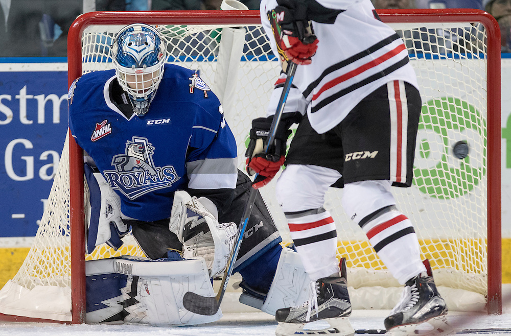The Portland Winterhawks beat the Victoria Royals 4-3 in WHL action at the Save-on-Foods Memorial Centre in Victoria, British Columbia Canada on December 14, 2016.
