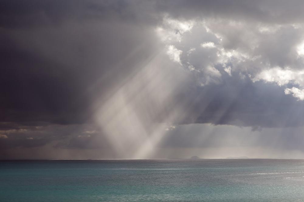 Guadeloupe - l'archipel des Saintes baigné de lumière